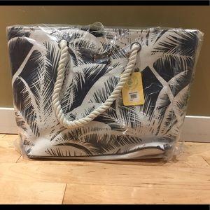 Handbags - NWT Caribbean Joe beach bag